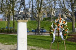 Vlaggen uit tijdens herdenking 75 jaar bevrijding
