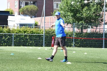 Walking Football trainer Patrick Oosting bij fc Harlingen