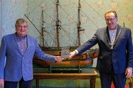Boei van Harlingen uitgereikt aan de bruine vloot